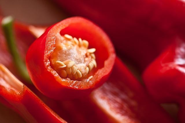 פלפל אדום עם זרעים
